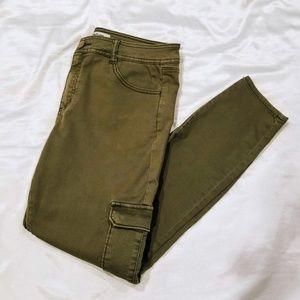 Refuge Skinny Cargo Jeans